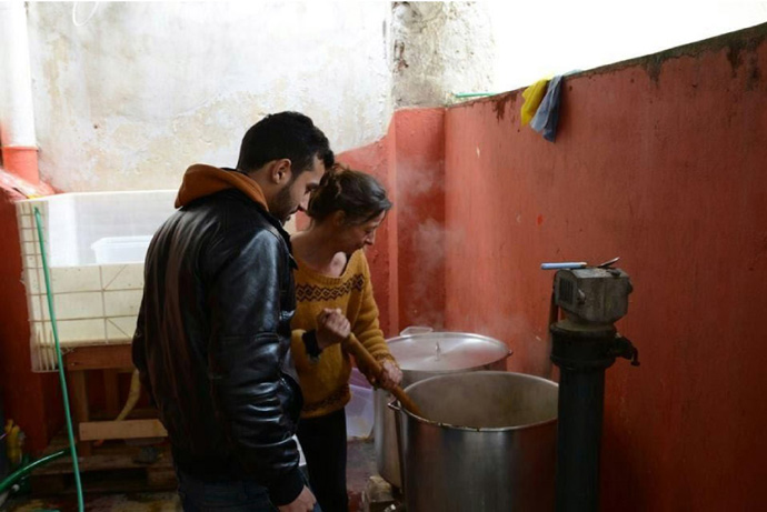 Stirring food